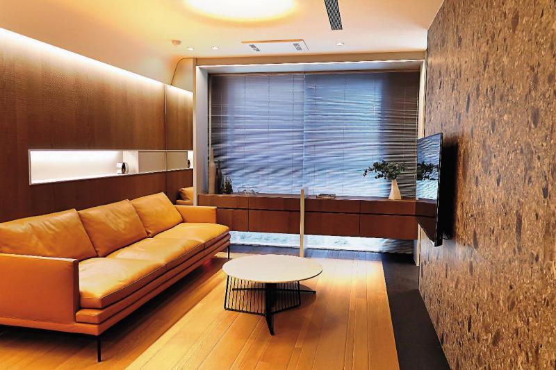 實品屋規劃A戶51.86坪格局,室內樓高3.4米,擁大面開窗。